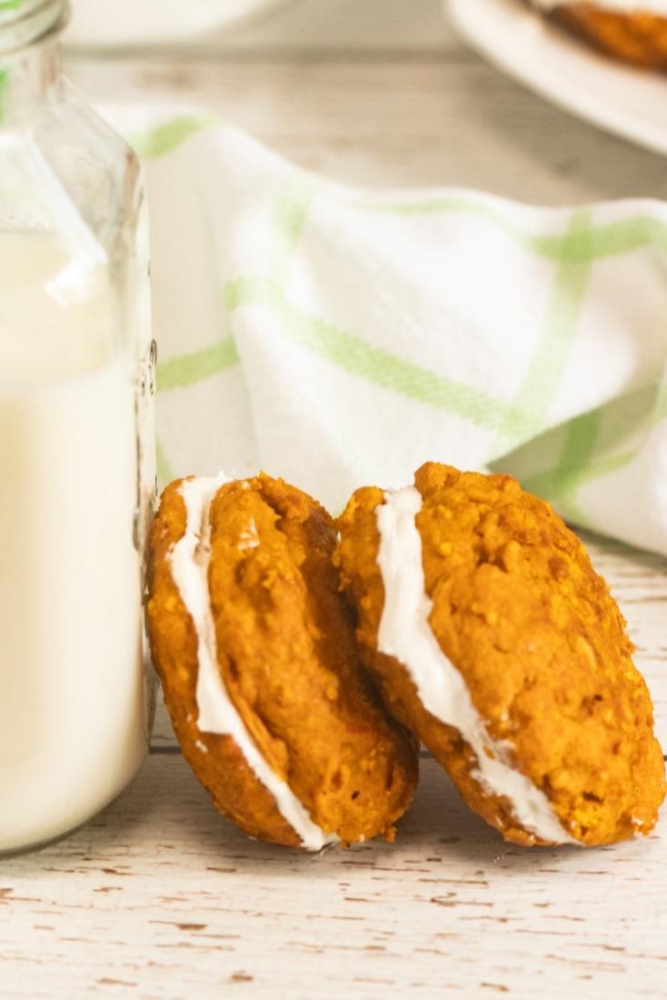 Pumpkin Oatmeal Whoopie Pies